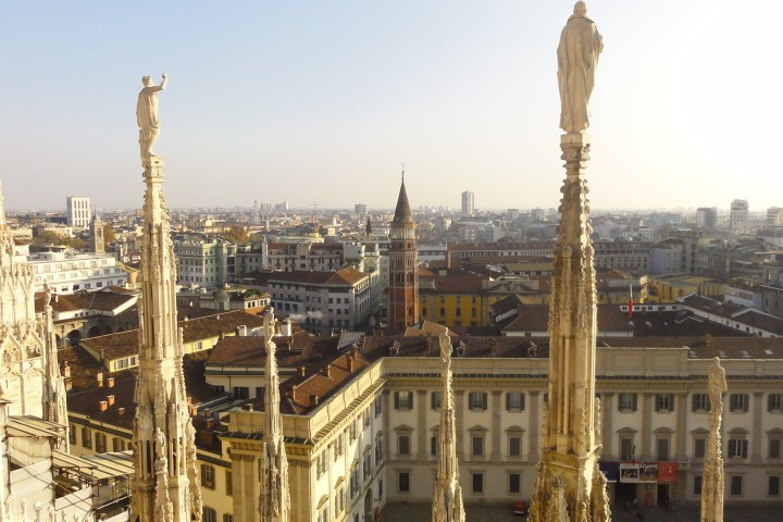 Looking down from the Duomo roof
