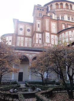 The courtyard of the convent of Santa Maria della Grazie