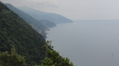 The trail from Monterosso to Vernazza