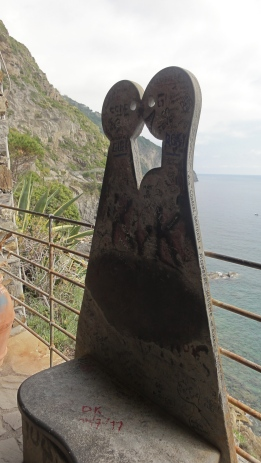 The trail between Manarola and Riomaggiore is all about amore (love).